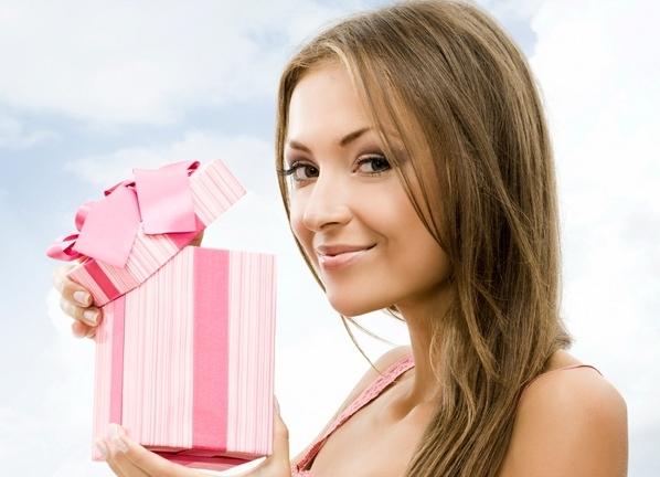 Что подарить девушке на полгода отношений?