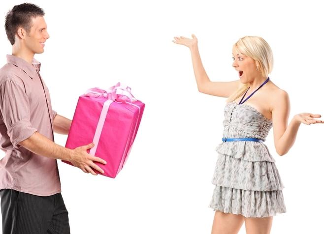 Какой девушки хотят подарок 32