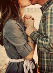 Как впервые поцеловать девушку