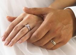 Как выбрать обручальные кольца  cd6e1e1ba053e