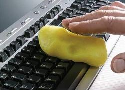 Чем лучше чистить клавиатуру